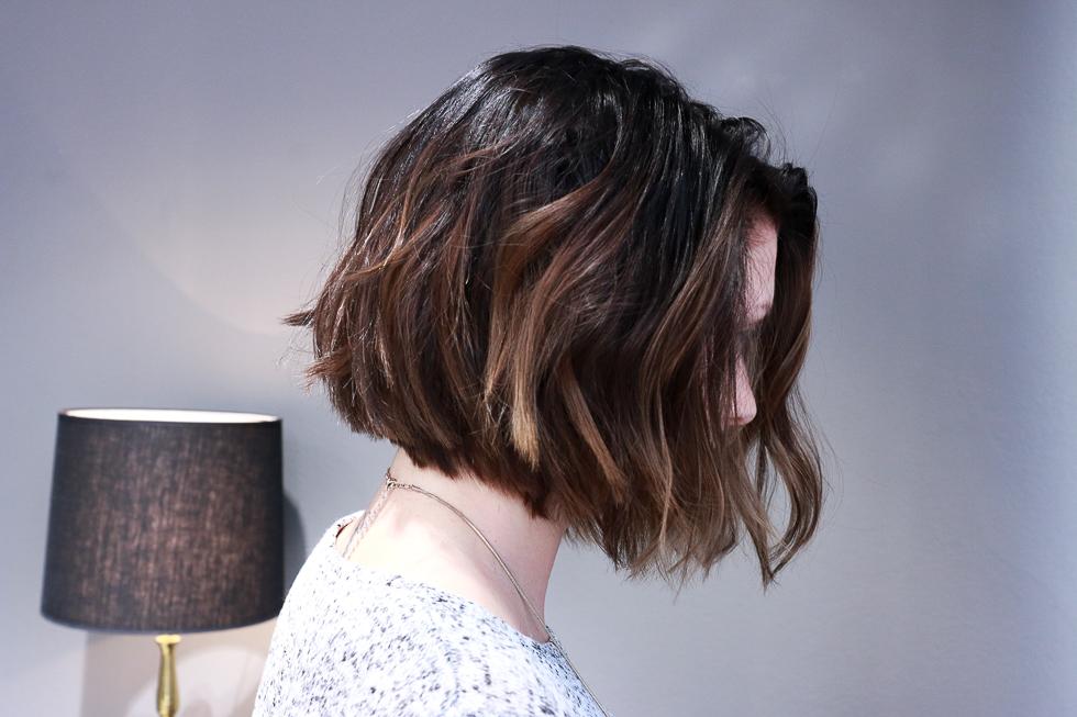 klart håret så var jag tvungen att glo lite på henne, herregud vad bra  hon passade bra i denna look. Jag färgade en ombre, målade längderna ( balayage)