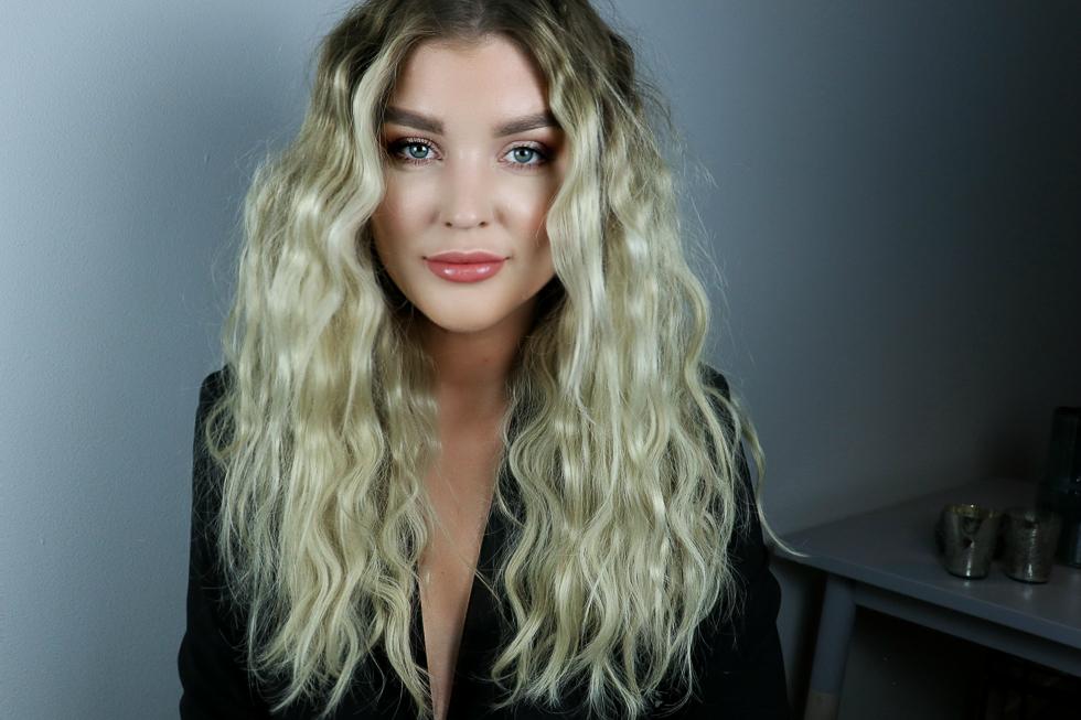 """Ni som följt mig ett tag vet att jag älskar när håret ser """"stripigt"""" ut  efter styling. Om man har ett tunt fint hår så kommer håret kännas 50%  tjockare och ... 085583d6e39e6"""