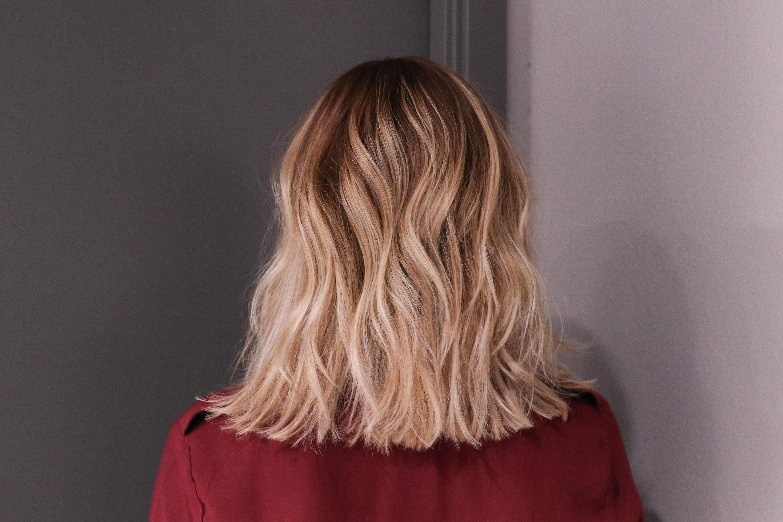 hur får man rakt hår